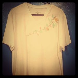 NWOT White Rose Embroidered Stretch White T-Shirt